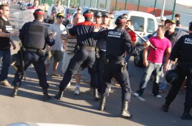 Els treballadors tancats a Prysmian contra 19 acomiadaments demanen solidaritat