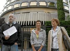 Entrega del recurs al Tribunal Constitucional contra la sentència del Suprem
