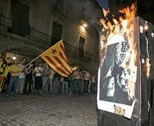 Crema d'un retrat del rei a Girona ara fa dos anys