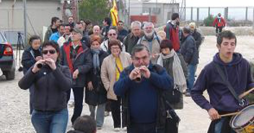 Marxa a peu contra el tancament de TV3 al País Valencià