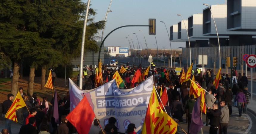 Xerrades, manifestacions i acampades per contestar el congrés de CDC a Reus