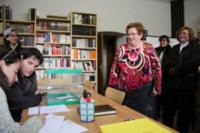 La primera votant d'aquest dissabte a Sant Jaume de Frontanyà