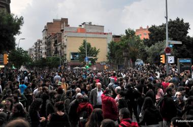 Les protestes pel desallotjament de Can Vies creixen i s'estenen el 3r dia