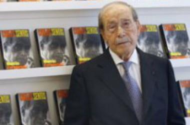 El Col·legi de Periodistes acull la condecoració al franquista Carlos Sentís