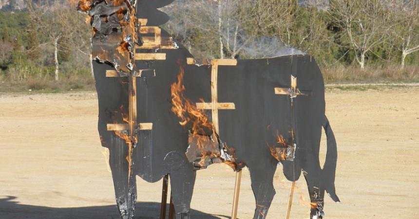 8 dies de presó per als joves manresans que van sabotejar el toro del Bruc
