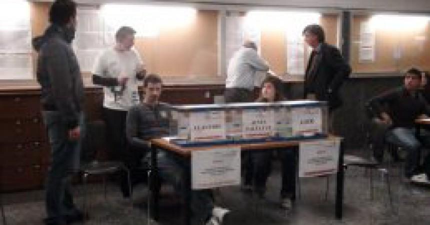 Joc brut de la dreta a les eleccions d'estudiants de la UVEG