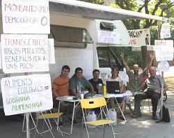 Els sis vaguistes de fam continuen la protesta davant del Parlament