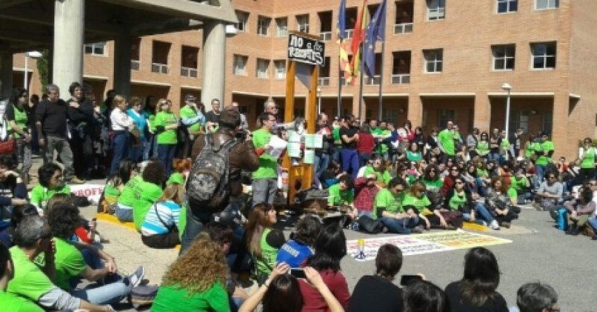 El professorat interí al País Valencià, en lluita pels seus drets i els de l'escola pública!