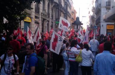 Piquets actius, càrregues policials i seguiment desigual de la vaga al País Valencià