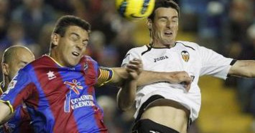 Llevant UE i València CF intenten sobreviure en la maranya d'un difícil entramat polític i financer