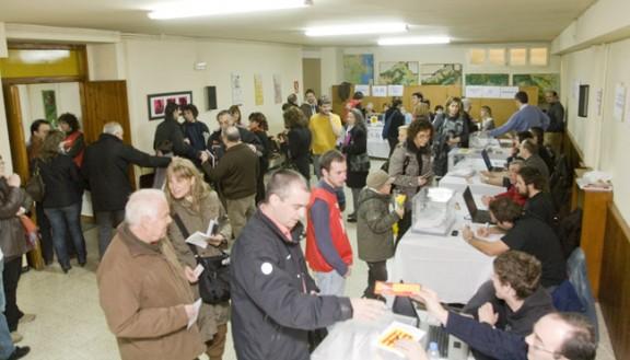 Votants a un col·legi del Ripollès. Foto: elripolles.info