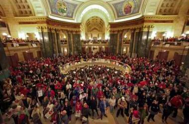Wisconsin encén les lluites sindicals arreu dels Estats Units
