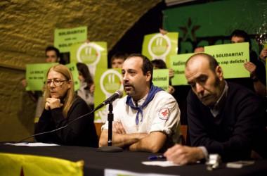 Dos Bastoners catalans s'enfronten a un judici a l'Audiència 'nacional' per mostrar fotos de preses polítiques