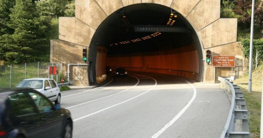 El banc que el 2012 va adquirir el privatitzat Túnel del Cadí, el ven per gairebé el triple