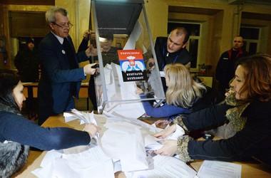 Les eleccions a Donetsk i Lugansk  consoliden les institucions republicanes