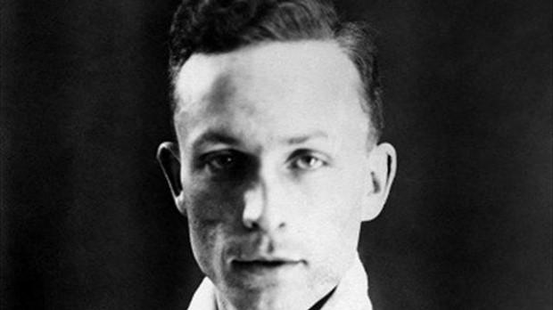 Alexandre Villaplane, capità de la selecció francesa de futbol, membre de les SS, morí executat per la Resistència.