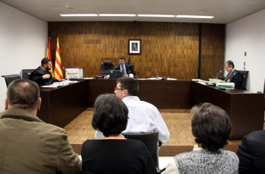 La falta de proves i la petició de penes altes marquen el primer dia dels judicis de Can Vies