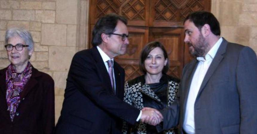 CiU pacta amb ERC els pressupostos de 2015 i endarrereix les eleccions a la tardor