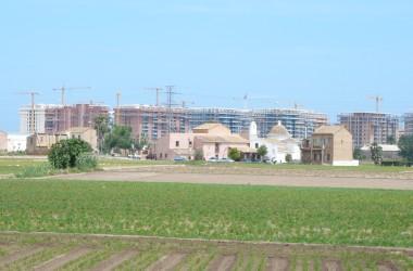 Barris, veïns i entitats socials s'uneixen contra l'últim despropòsit urbanístic de Rita