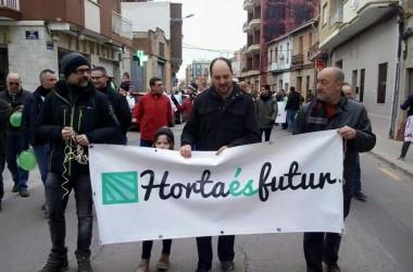 Els veïns de Castellar-l'Oliveral es manifesten contra la destrucció de l'horta