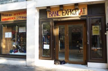 El desallotjament del Banc Expropiat, aturat temporalment