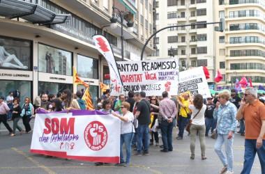 Milers de manifestants a València en el recorregut alternatiu del 1r de Maig