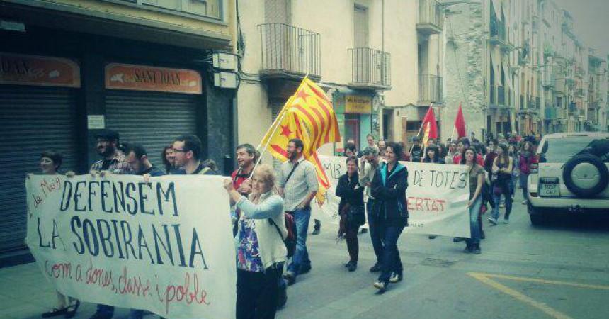Prop d'un centenar de manifestants a la Seu d'Urgell per l'1 de maig