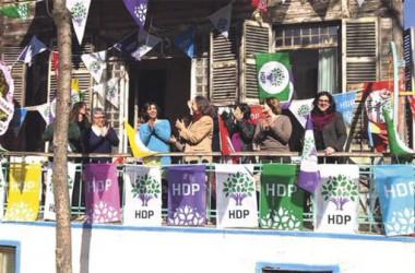 Els resultats de les legislatives turques avalen l'estratègia política de l'HDP