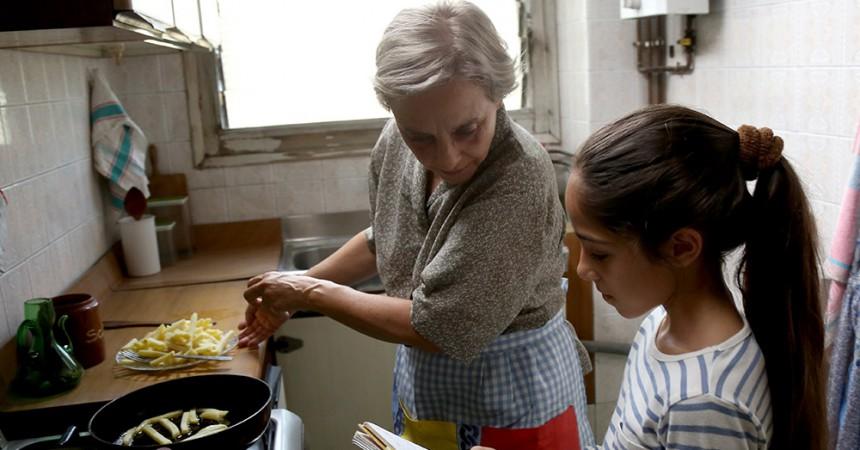 El 80% dels avis destina part de la pensió a ajudar els fills