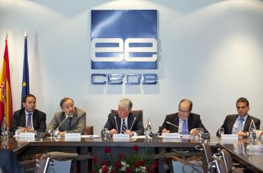 La CEOE reclama abaratir el cost de l'acomiadament