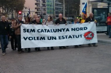 Un miler de persones es manifesten a Perpinyà per un estatut especial per a Catalunya Nord