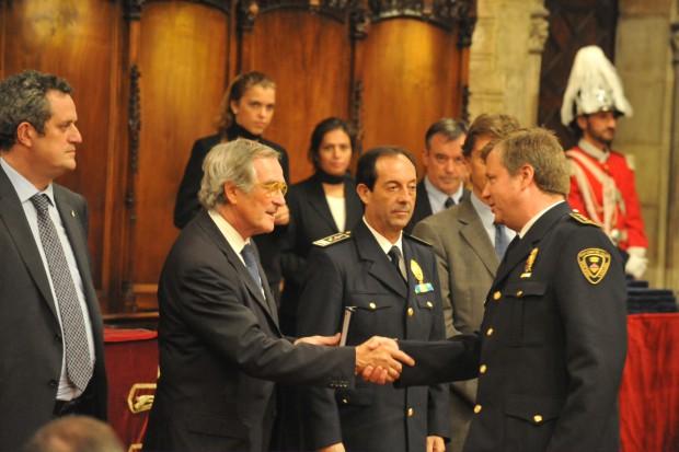 Trias lliura medalla Guàrdia urbana