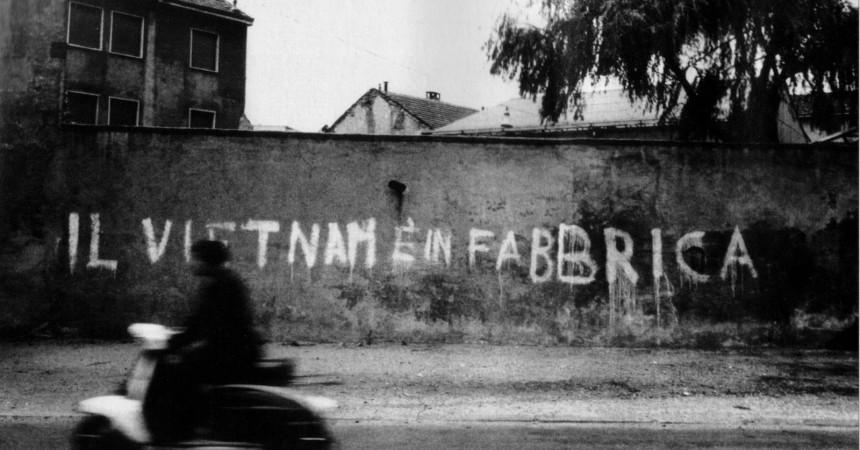 """""""Días de sueños y de plomo"""": entre el testimoni personal i la reflexió històrica"""