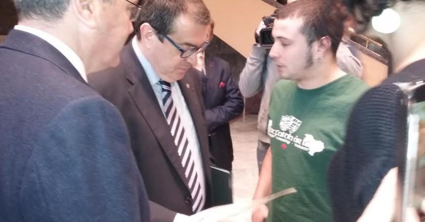 Recriminen al conseller d'Interior Jordi Jané l'actuació repressiva dels mossos