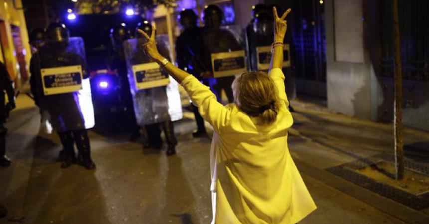 Gràcia no cedeix: tercera nit de resistència