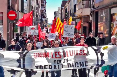 400 treballadors s'uneixen en la lluita per un treball digne durant el Primer de Maig a Mataró