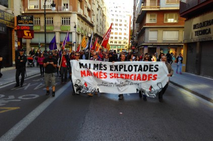 La convocatòria anticapitalista de València s'estrena amb èxit