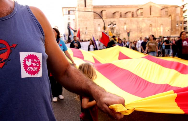 Nou d'octubre, de nou al carrer a València malgrat la policia espanyola i el feixisme