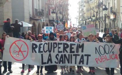 Centenars de persones es manifesten a Blanes en defensa d'una sanitat 100% pública