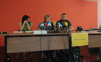 Les onze expulsades del vol Barcelona-Dakar exigeixen explicacions a Vueling