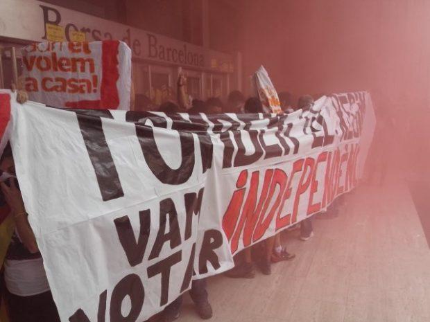 Manifestació dels CDR del Barcelonès el passat 1 d'octubre de 2018, davant la Borsa de Barcelona