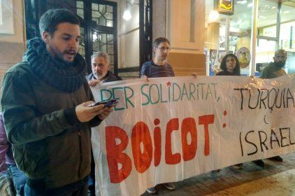 Concentració a València contra la hipocresia d'Erdogan