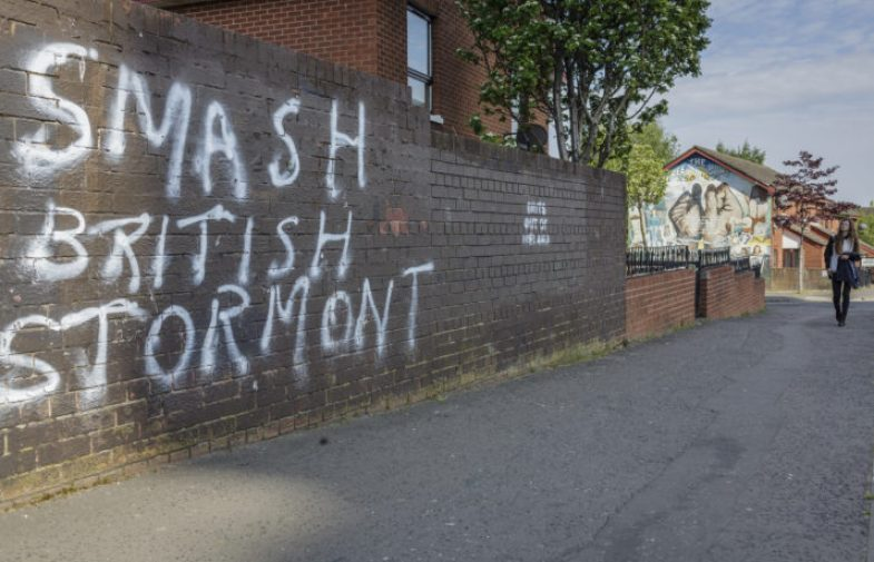 És hora de destruir Stormont- de nou!