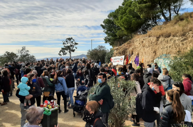 """Més de 300 persones es concentren al Turó de la Rovira contra """"l'oblit i la desmemòria oficials"""" de la resistència antifeixista"""
