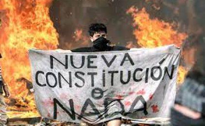 Xile: històrica victòria de l'esquerra i els independents qüestiona el règim sorgit de la dictadura