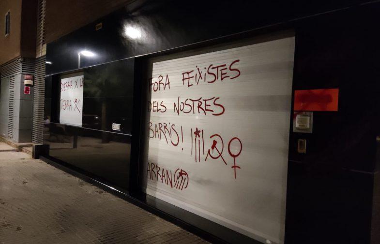 La pintada a Cornellà i la pistola a Castelló