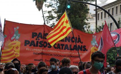 Gran mobilització a València pel 9 d'Octubre [fotogaleria]